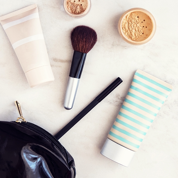 We're OBSESSED - Find everything you need for a makeup bag to get you through your big day!