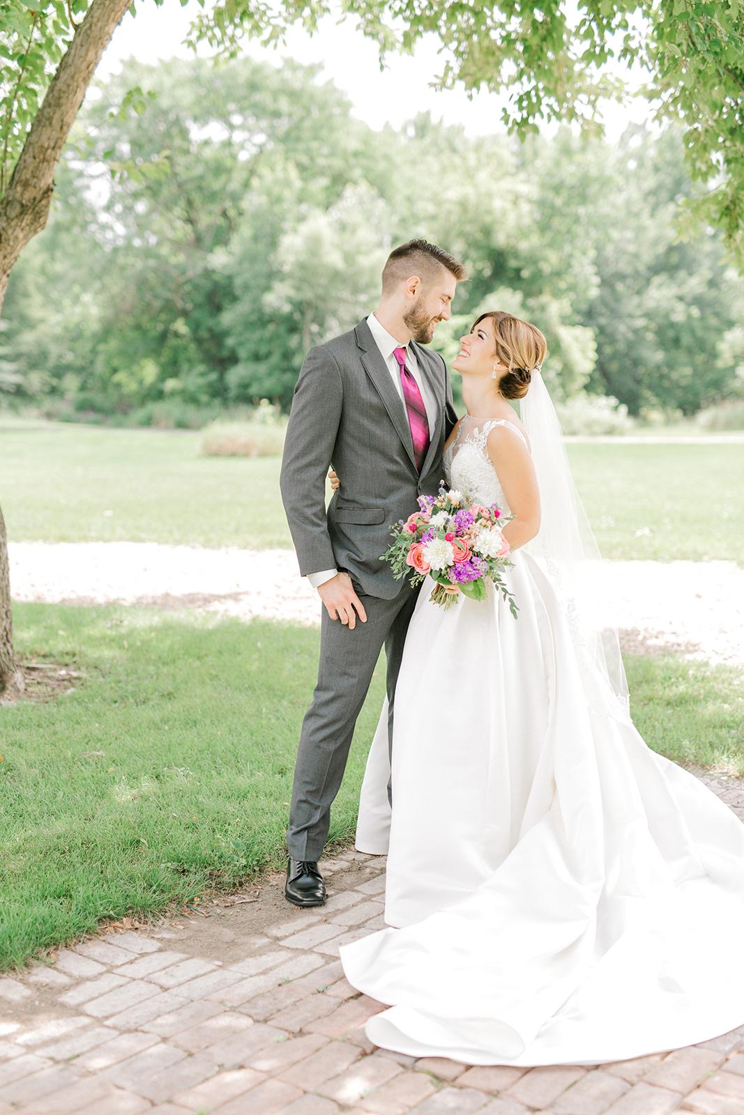 Ushers_Ferry_Cedar_Rapids_Wedding_Ella+Phil-0456.jpg