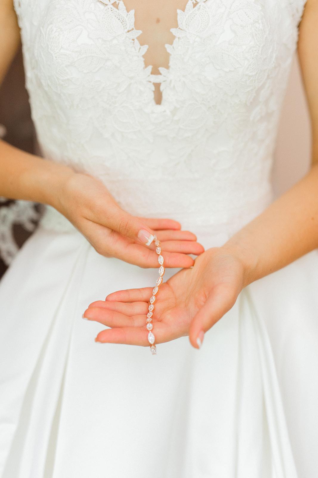 Ushers_Ferry_Cedar_Rapids_Wedding_Ella+Phil-0231.jpg