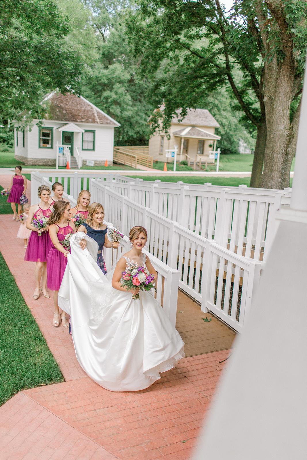 Ushers_Ferry_Cedar_Rapids_Wedding_Ella+Phil-225793.jpg