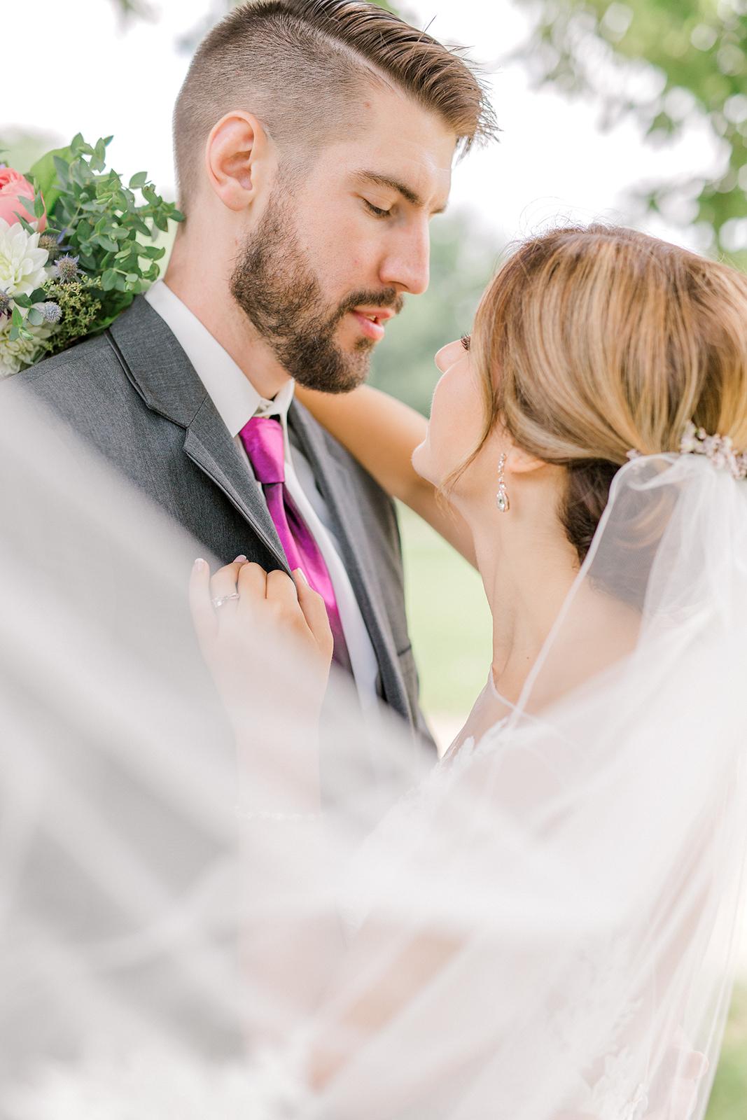 Ushers_Ferry_Cedar_Rapids_Wedding_Ella+Phil-0602.jpg