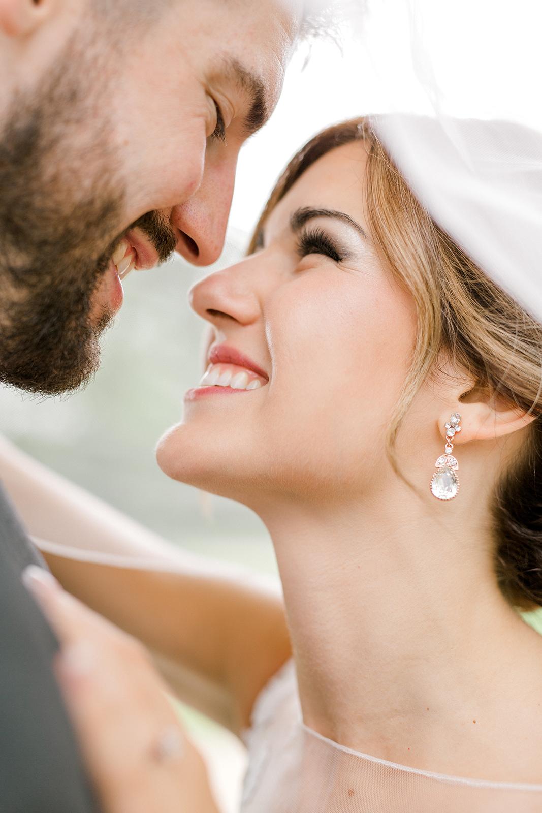 Ushers_Ferry_Cedar_Rapids_Wedding_Ella+Phil-0616.jpg