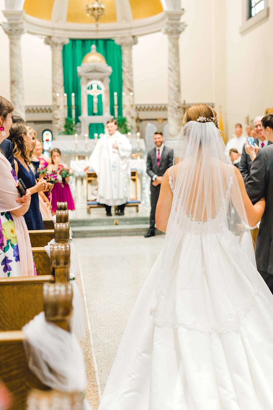 Ushers_Ferry_Cedar_Rapids_Wedding_Ella+Phil-1351.jpg