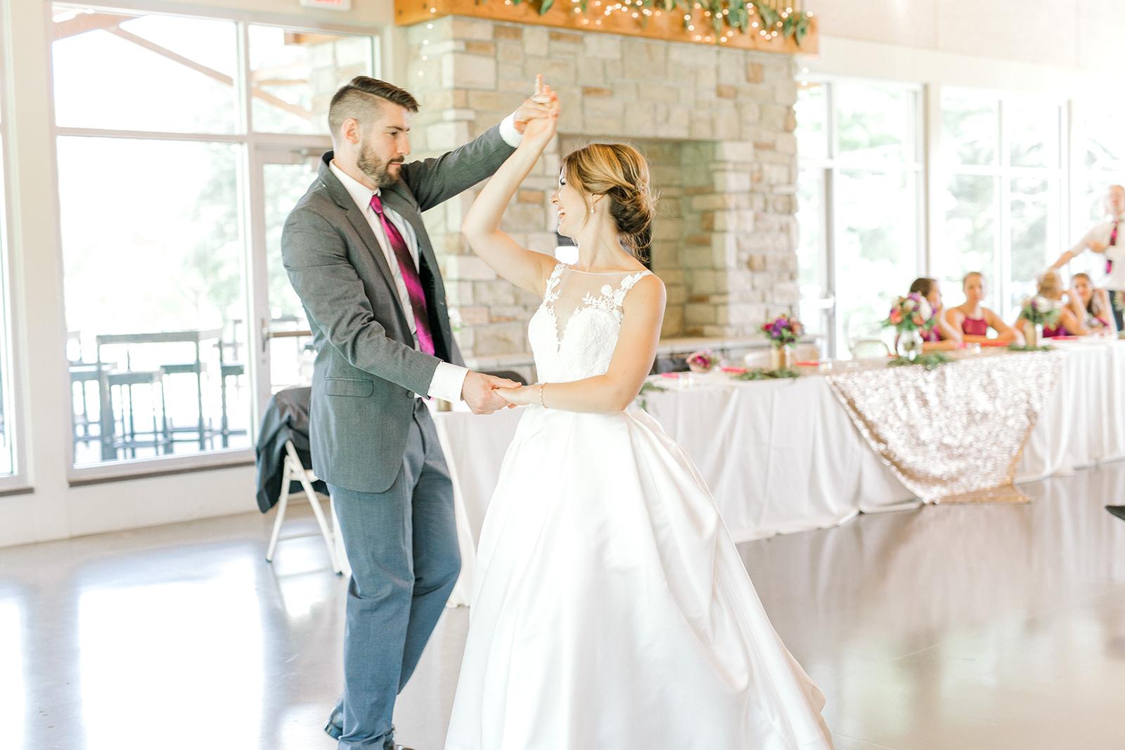 Ushers_Ferry_Cedar_Rapids_Wedding_Ella+Phil-2861.jpg