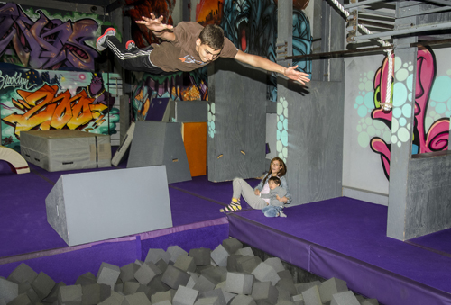 dtg-new-parkour-wont-fail-because-2014-04-04-bk05_z.jpg