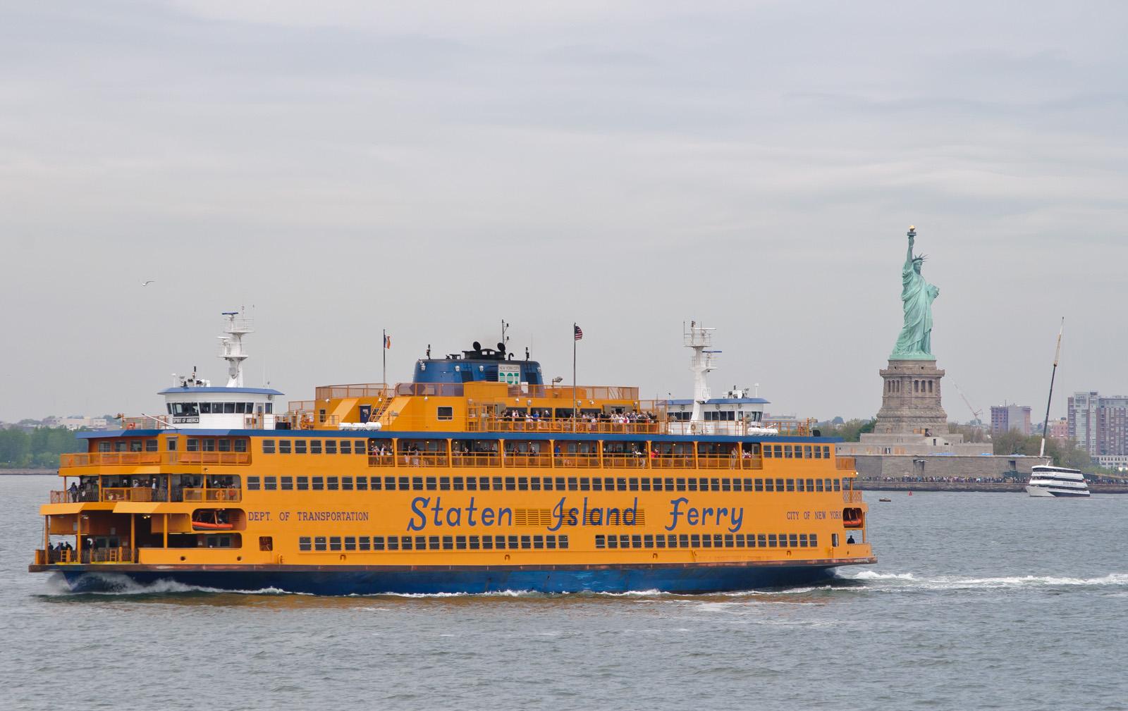 Spirit_of_America_-_Staten_Island_Ferry.jpg