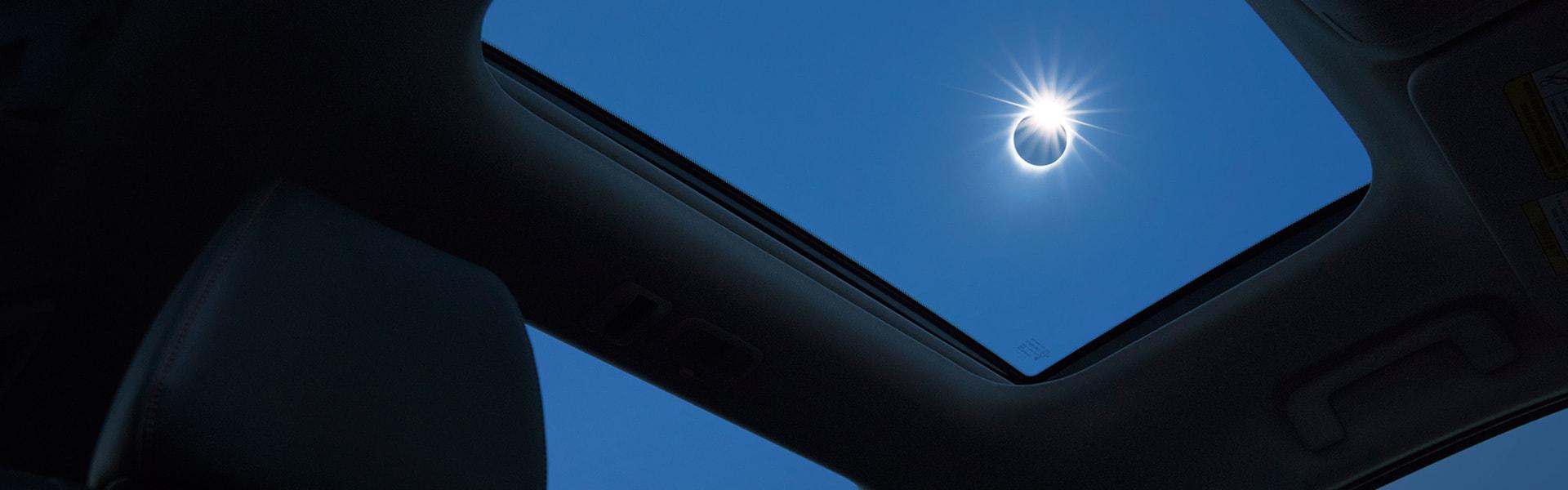 MMNA-EclipseCross-Red-Int-PanoSunroof-d.jpg