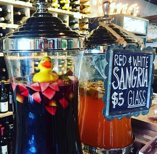 The only decision you need to make tonight is this one: white or red? 🍹 . . . #sangria #local #supportlocal #eatlocal #shoplocal #agoura #malibu