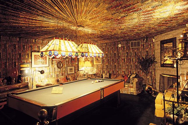Gotta see Elvis Presley's Opulent Graceland Home