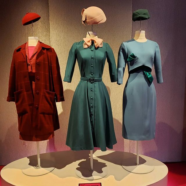 Run, don't walk to @paleycenter . This is the very last day to catch this amazing FREE #MrsMaisel exhibit. Immerse yourself in a series of sets that will transport you back in time (and give you content for ages). Side note:  I met this really cool woman named Christine (I hope I remembered that right). Gorgeous redhead, vintage enthusiast, musical theater junkie. We took pics of each other but we didn't exchange info (note to self: always ask for the Instagram. Phone numbers can be misheard). She took the last photo of me in the booth but I'd like to credit her properly.  NYC vintage community, do you know who I'm talking about?