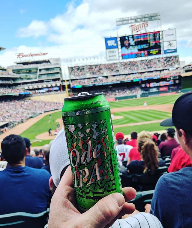 A new pre takeover ritual with the crew? We think so! Go Twinkies!!! See you at @firstdraftmpls for a 9 line takeover after the game.  Thanks for the tasty beverage @castledangerbrewer . . . #itsarevelation #revelationaleworks #hallockmn #mncraftbeer #craftbeer #mnbeer #minnesota #twins #minnesotatwins