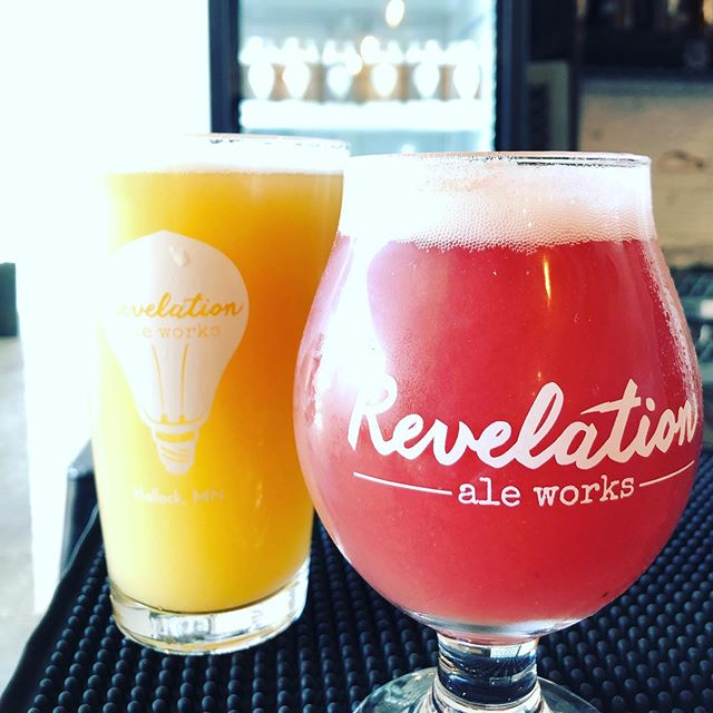 Peach Saison and Fruit Punch Smoothie Sour are on tap! We also have crowlers of the saison and Strawberry Mango Smoothie Sour. It's summer time around here! Come in and enjoy the day or find it on tap in your area! Check out our tap map at revales.com. . . #revelationaleworks #itsarevelation #craftbeer #handmadeinhallock #summertime #sourbeer #saison #oregonfruitproducts