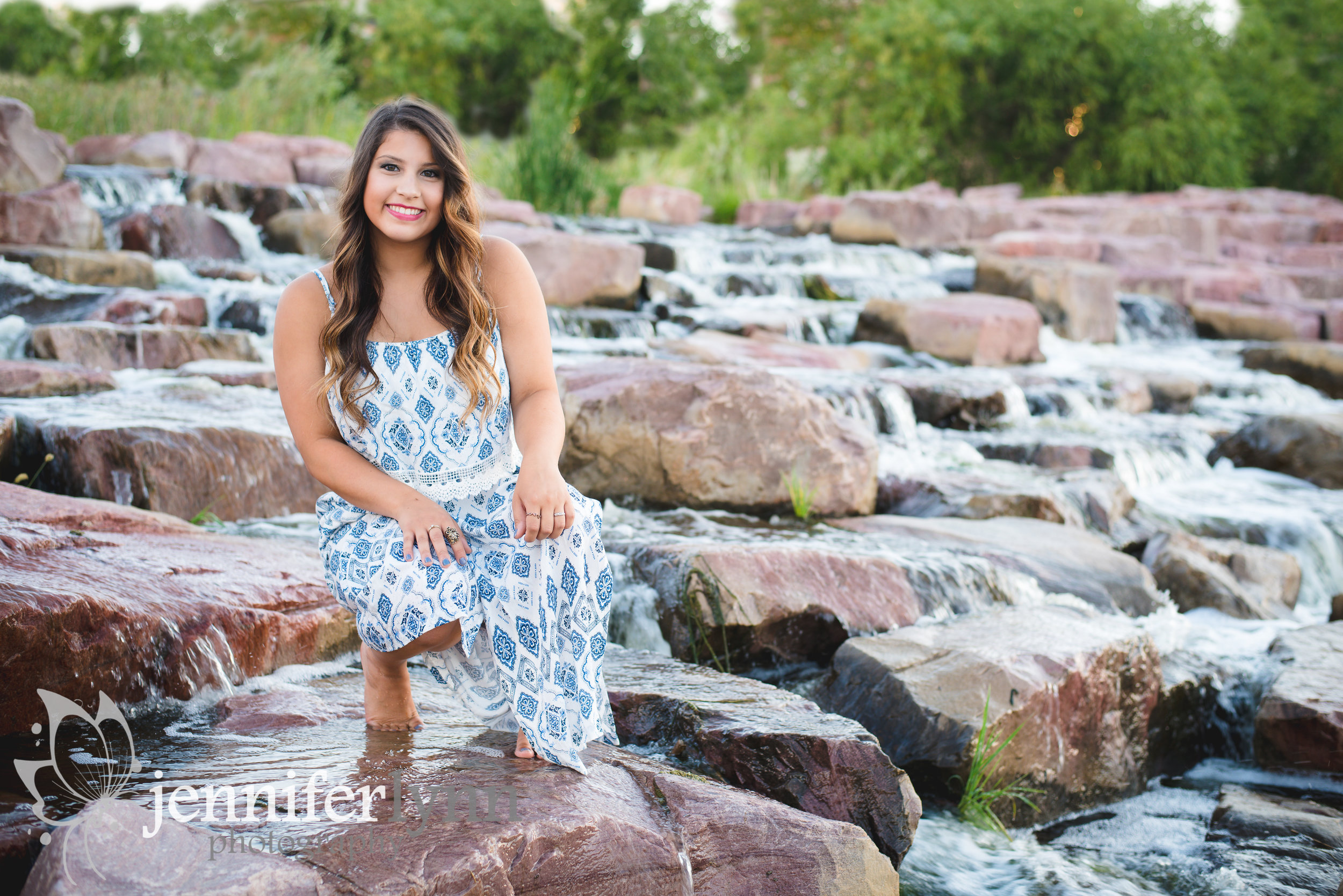 SeniorSession_WaterFeature_JenniferLynnPhotography