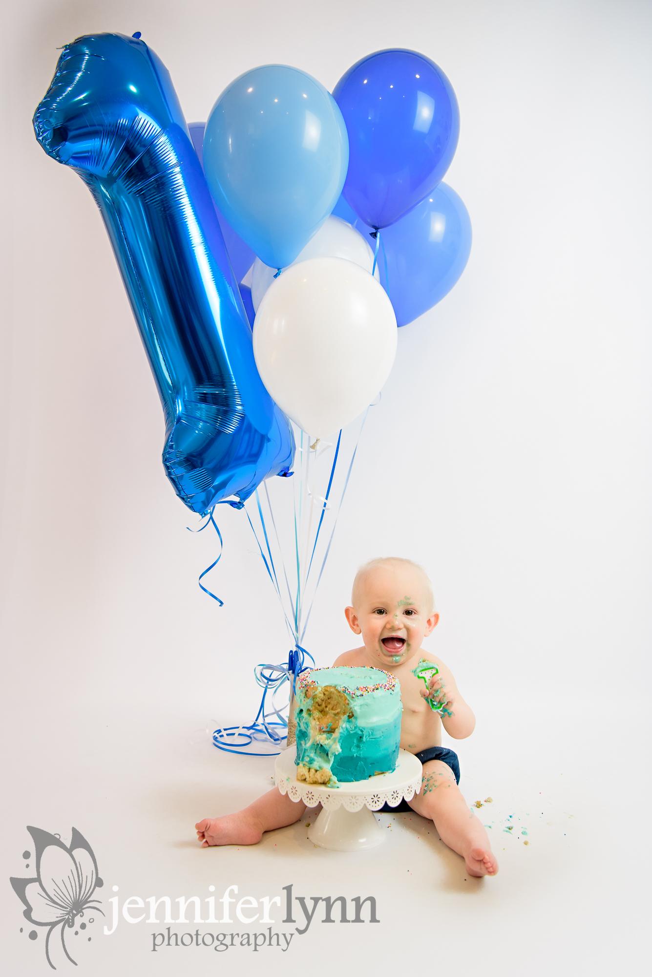 Blue Balloons Cake Smash Blue