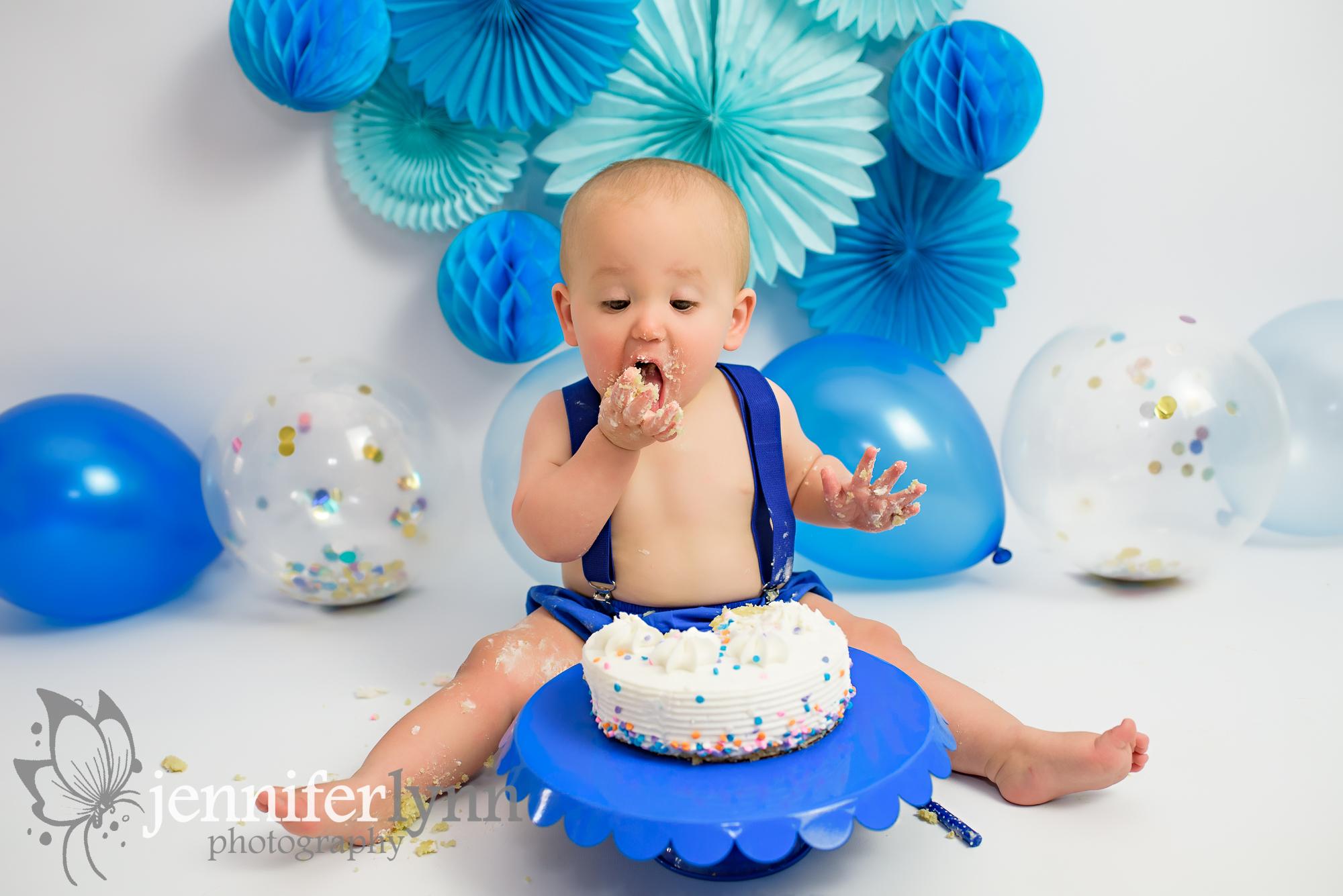 Eating Cake during the Cake Smash