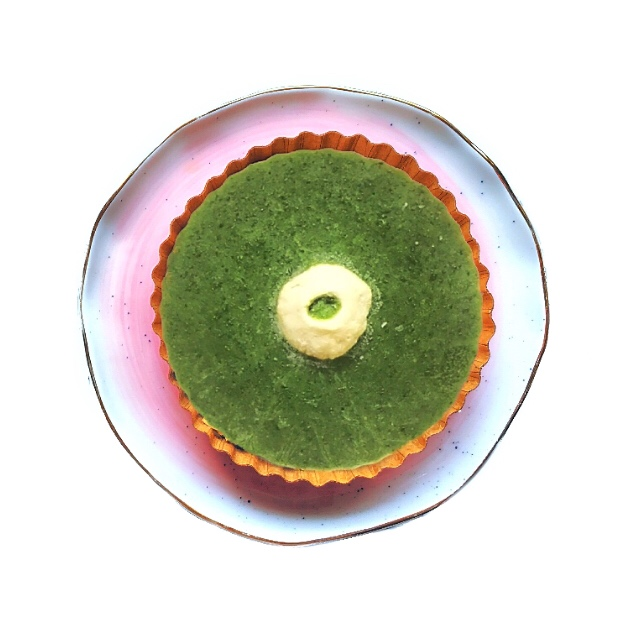 Chilled Pop Tartlet - IN THE WORKSReimagine your salad...eat it like a sorbet on a hot Summer day.Packed with fiber, hand picked from our farm, whole greens not just juice.Seasonal greens: kale, spinach, chard, arugula, mustard greens, pea shoots with seasonal fruit, mint and a dollop of fromage blanc.