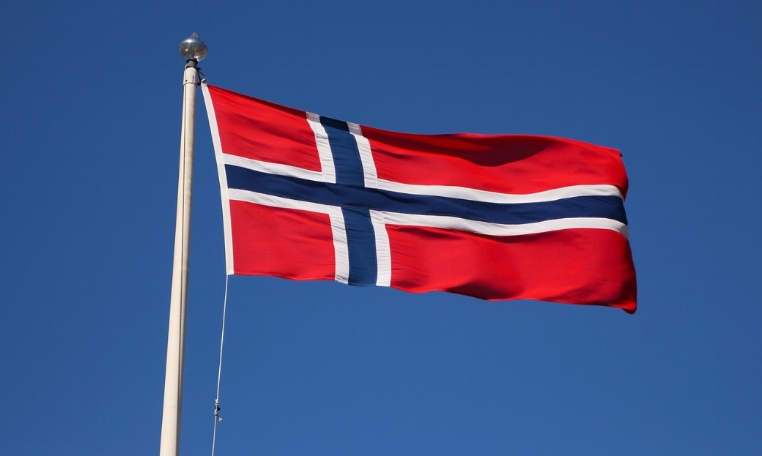 norwegian-flag-2585931_1280.jpg