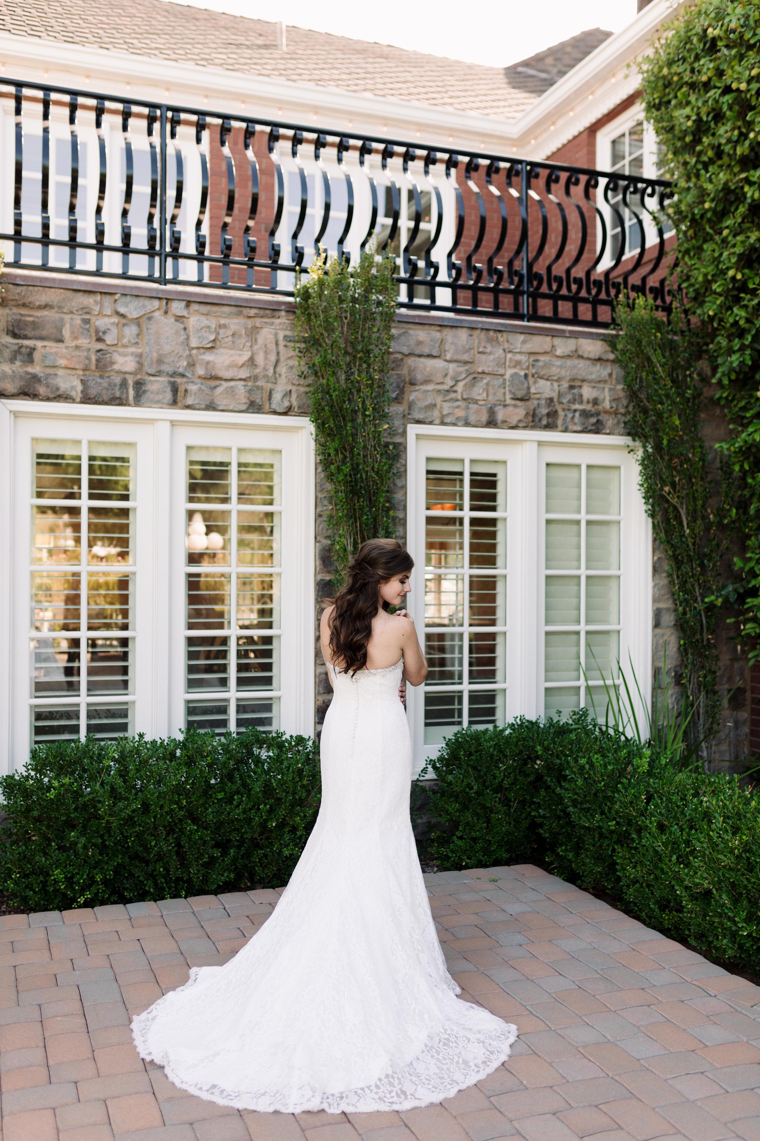 Nathan and Erin-Wedding Sneak Peeks-0009.jpg
