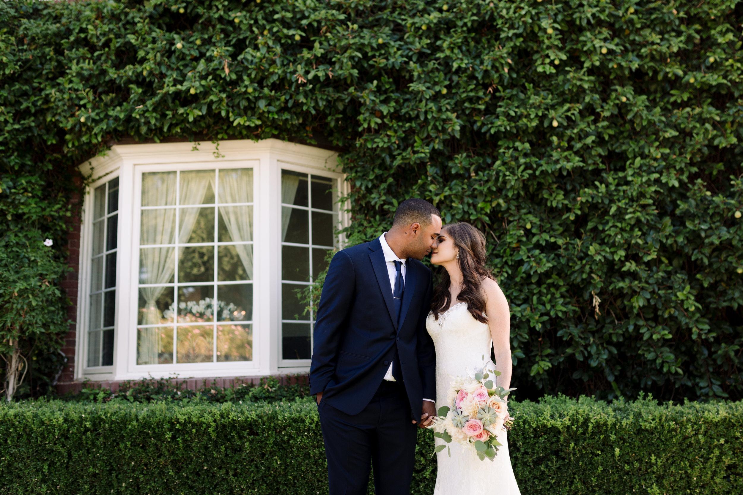 Nathan and Erin-Wedding Sneak Peeks-0013.jpg