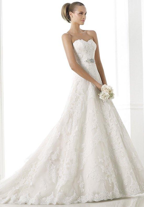 Pronovias Basma Off White Size 8 Retail Price $2560  Our Price $1792