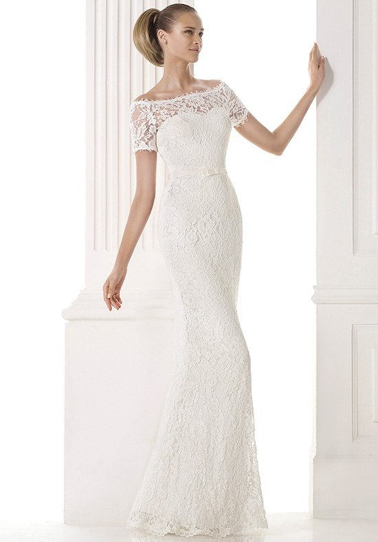 Pronovias Merry Size 6 Ivory Retail Price $1190   Our Price $833