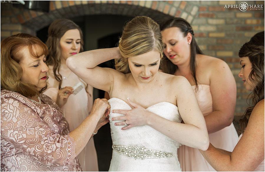 Della-Terra-Mountain-Chateau-Bridal-Suite-Colorado-Wedding-Photography.jpg