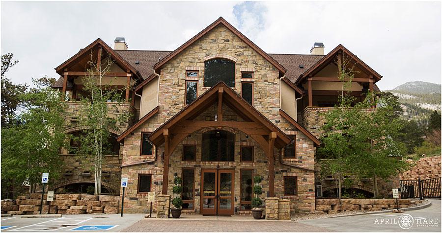 Della-Terra-Mountain-Chateau-in-Estes-Park-Colorado.jpg