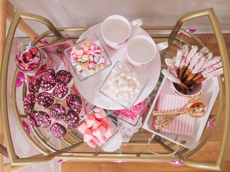 DIY VALENTINE'S DAY HOT COCOA BAR
