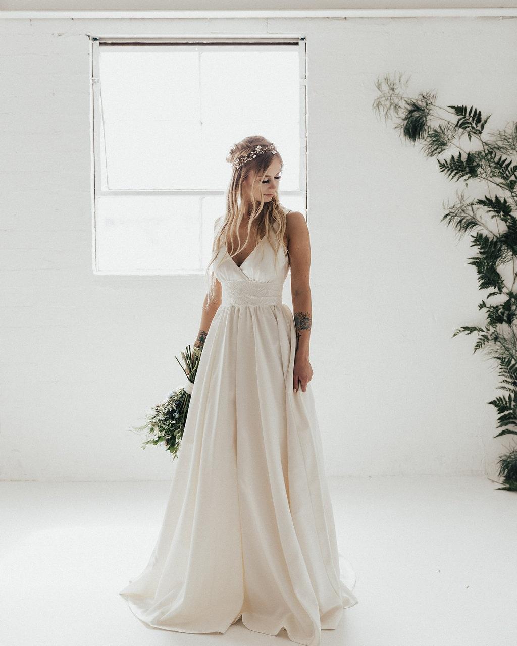 nicole+miller+modern+boho+bride