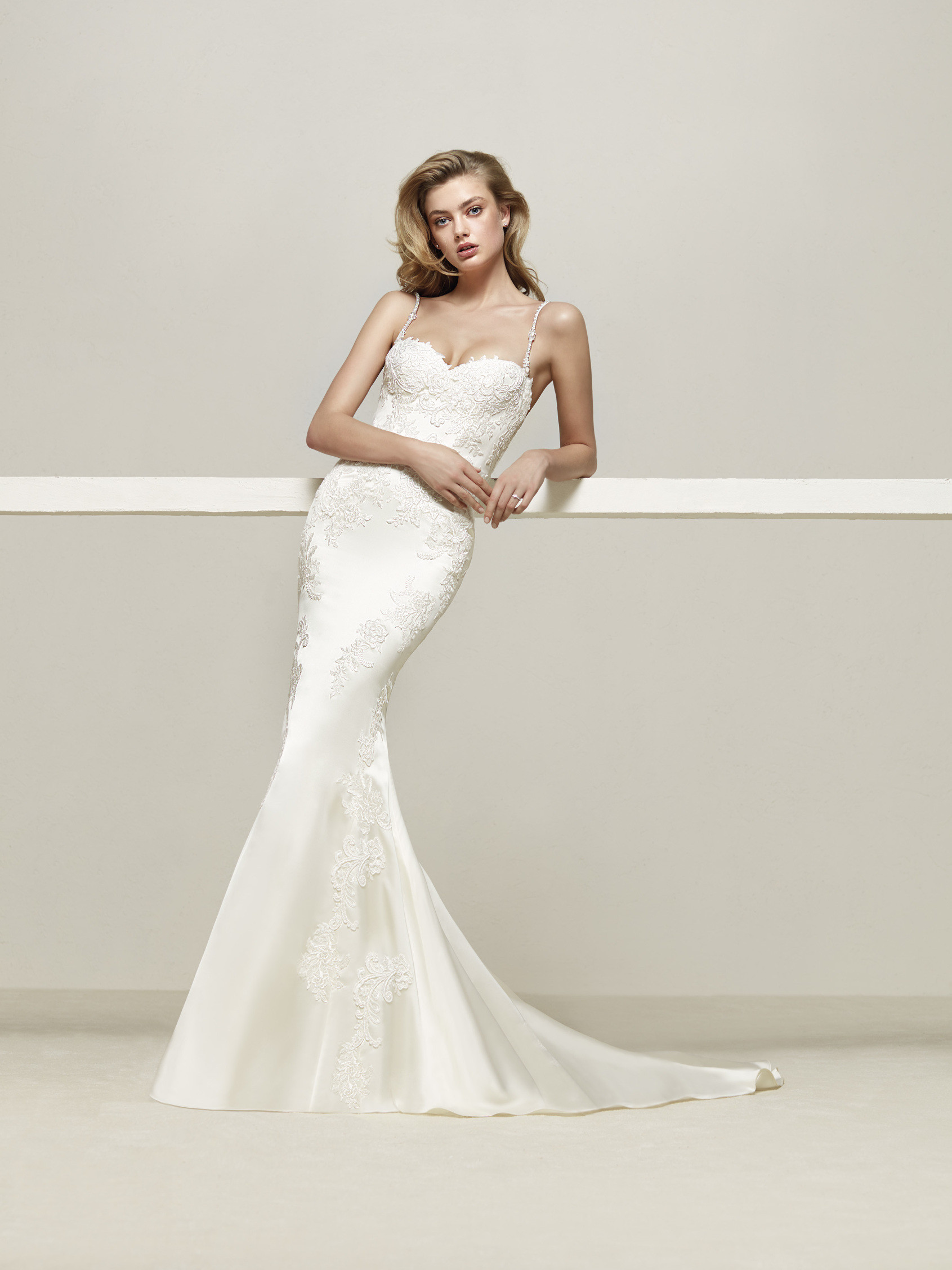 Pronovias Drens Ivory // Contact Us for PRice