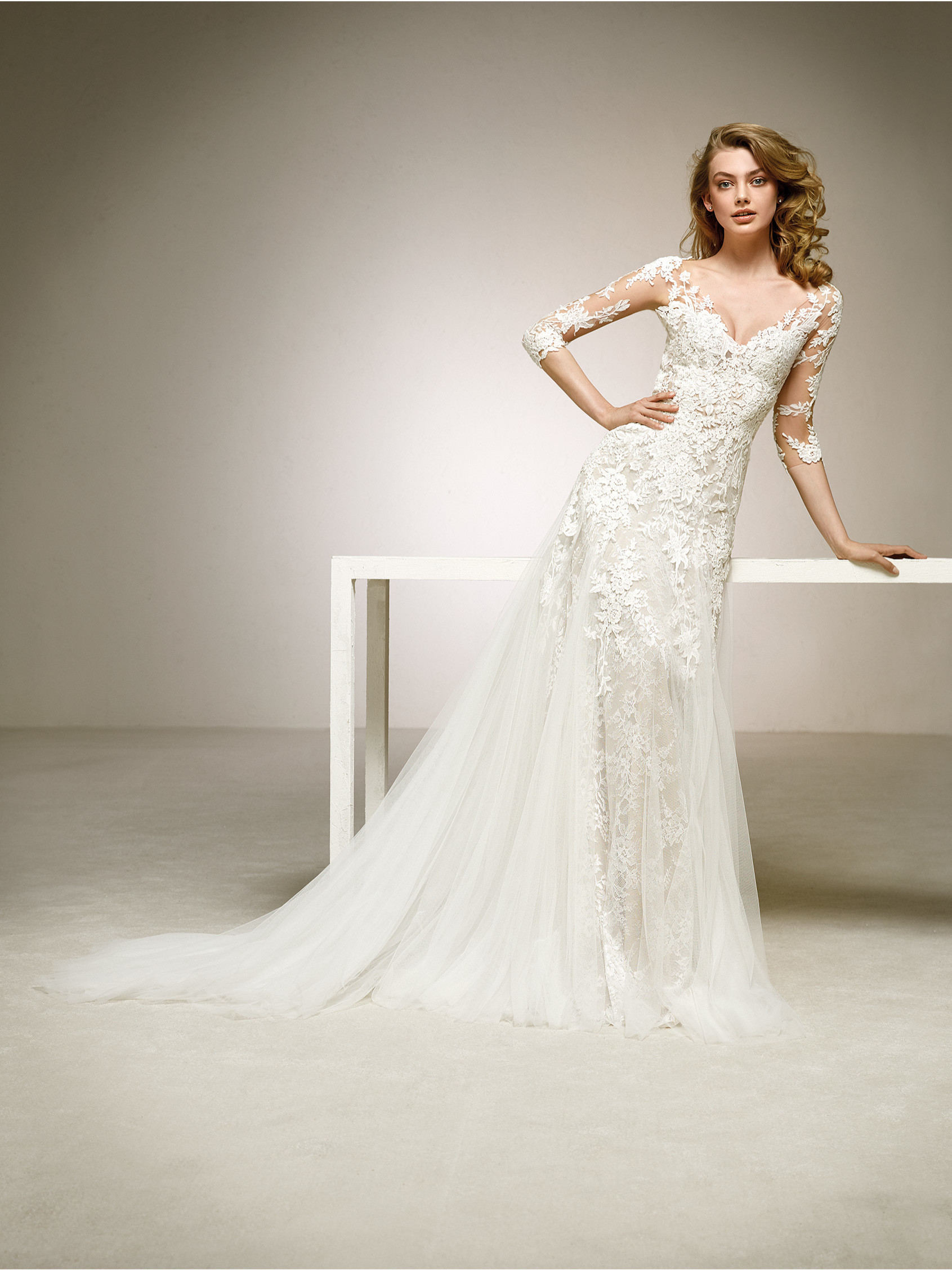 Pronovias Dalina Off White // contact us for price