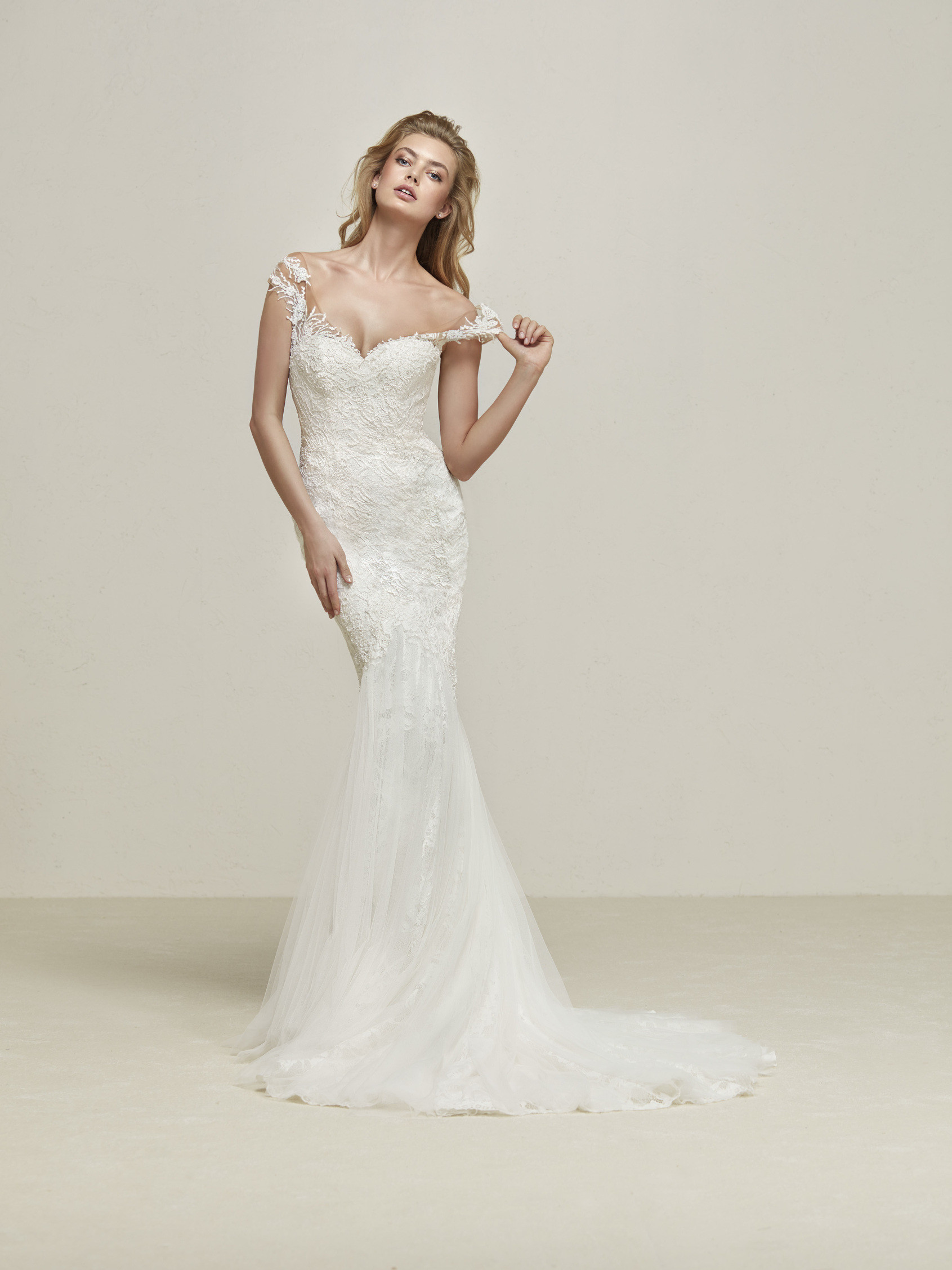 Pronovias Drina Off White // contact us for price