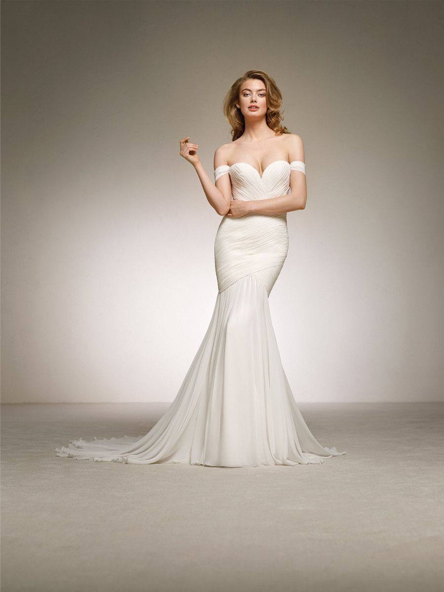 Pronovias Darlene Off White // contact us for price
