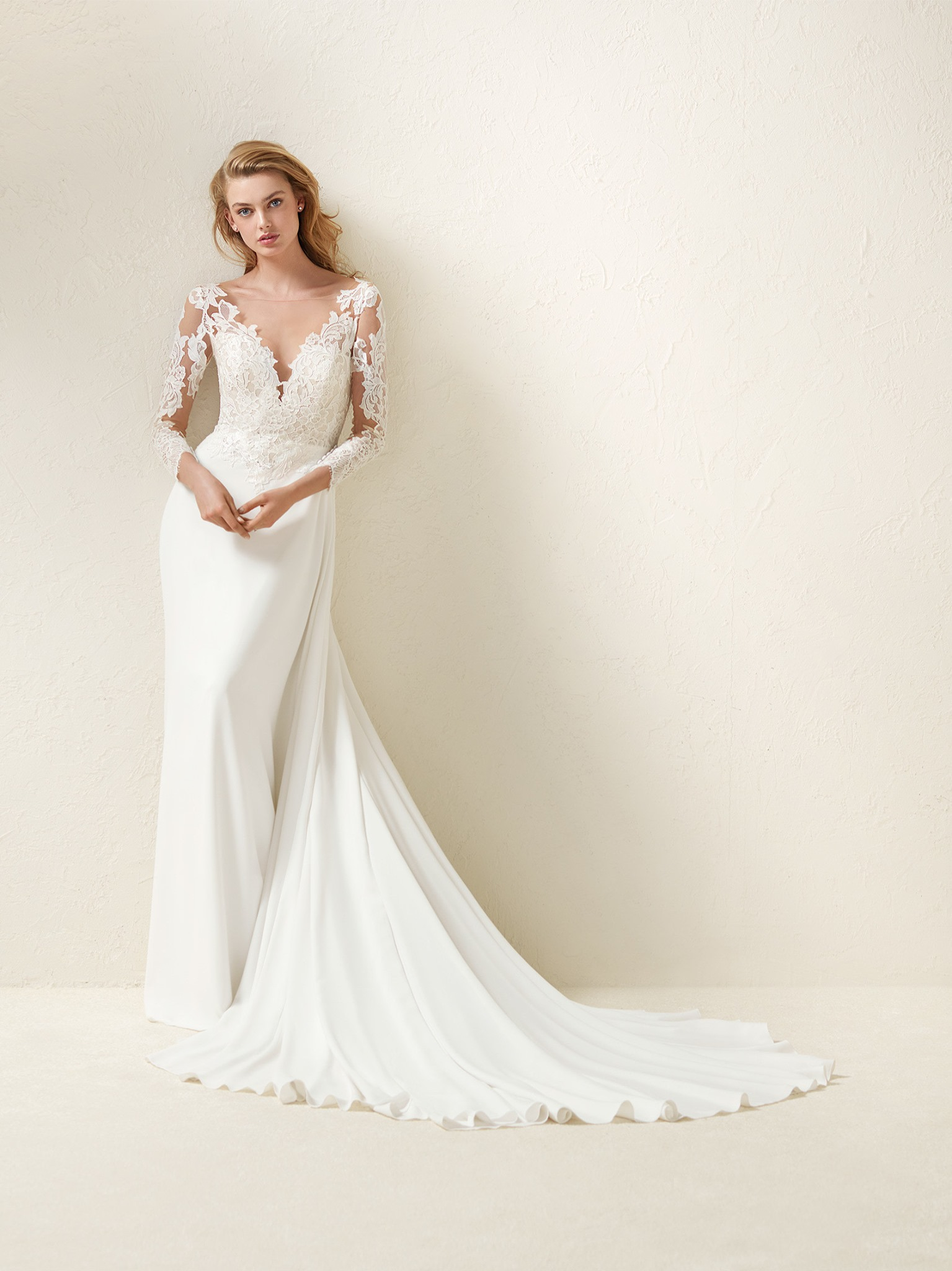 Pronovias Dramae Off White // contact us for price
