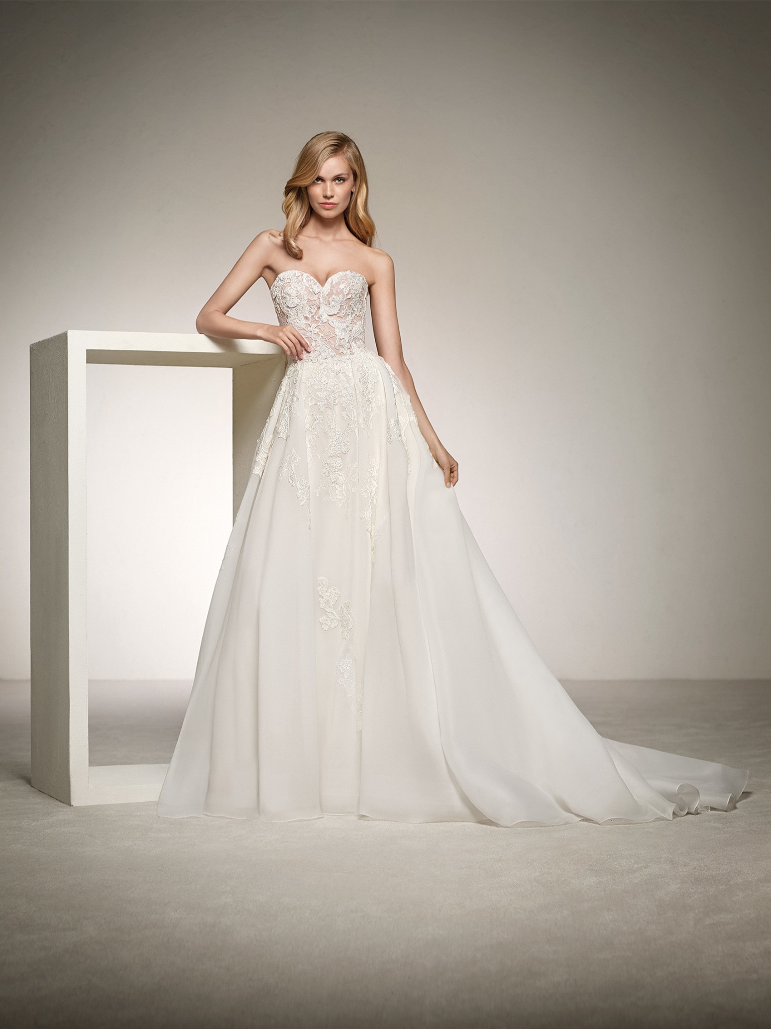 Pronovias Dinara Off White // contact us for price