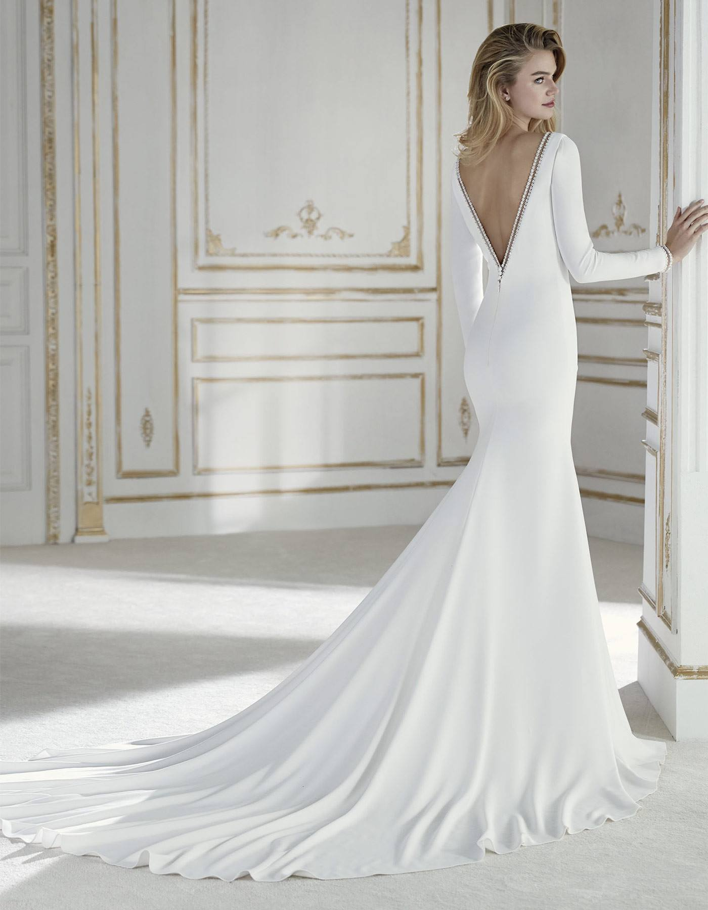 La Sposa by Pronovias Palas  Retail Price $1725 | Our Price $1208