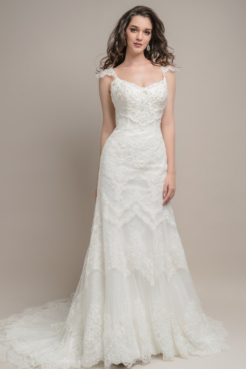 Roz La Kelin Diva Ivory // Retail Price $1498 | Our Price $1048