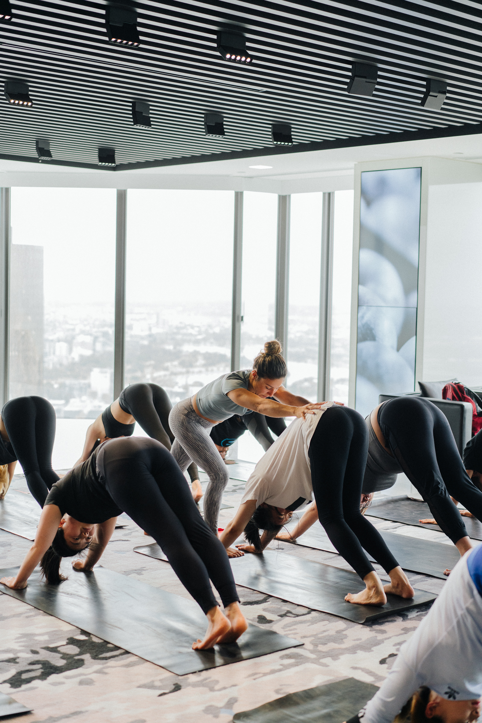 Little_mandarin_corporate_yoga_class3