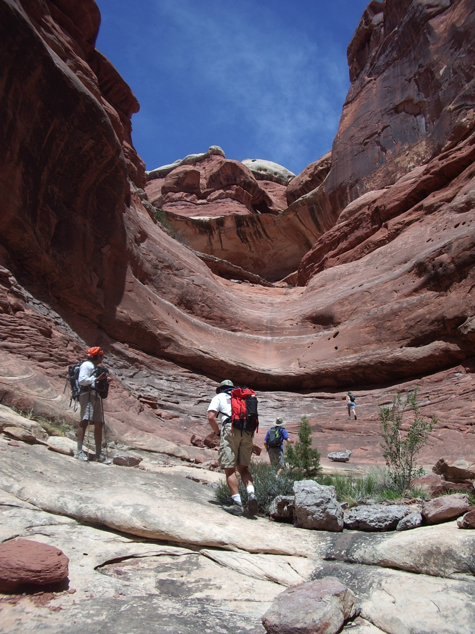 Co-ed backpacking in Utah