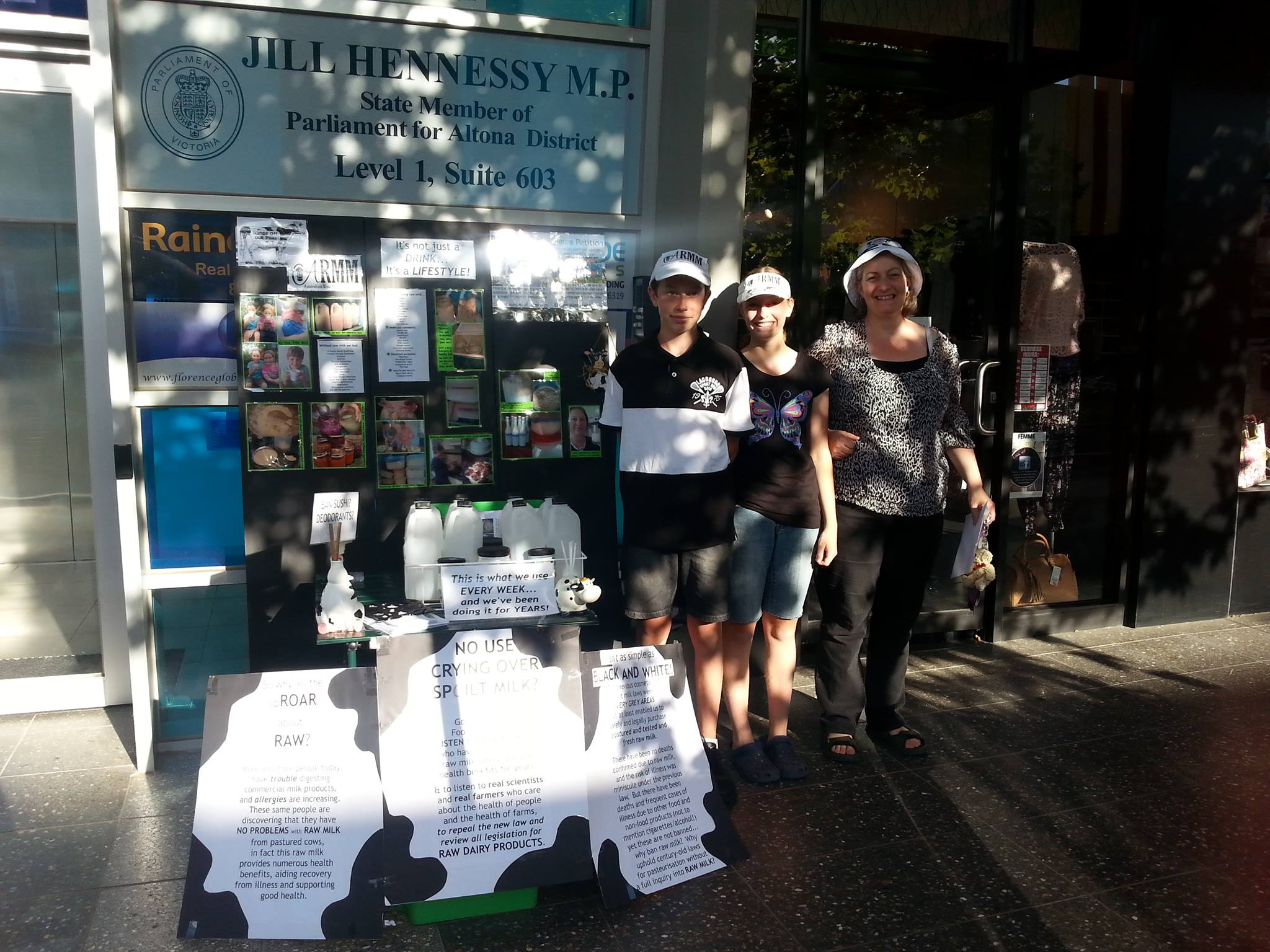 Supporters got lots of positive feedback from public and comments about nanny state while having a chat and handing out literature