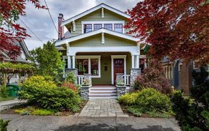 4528 Sunnyside Avenue N, Seattle | $1,330,000