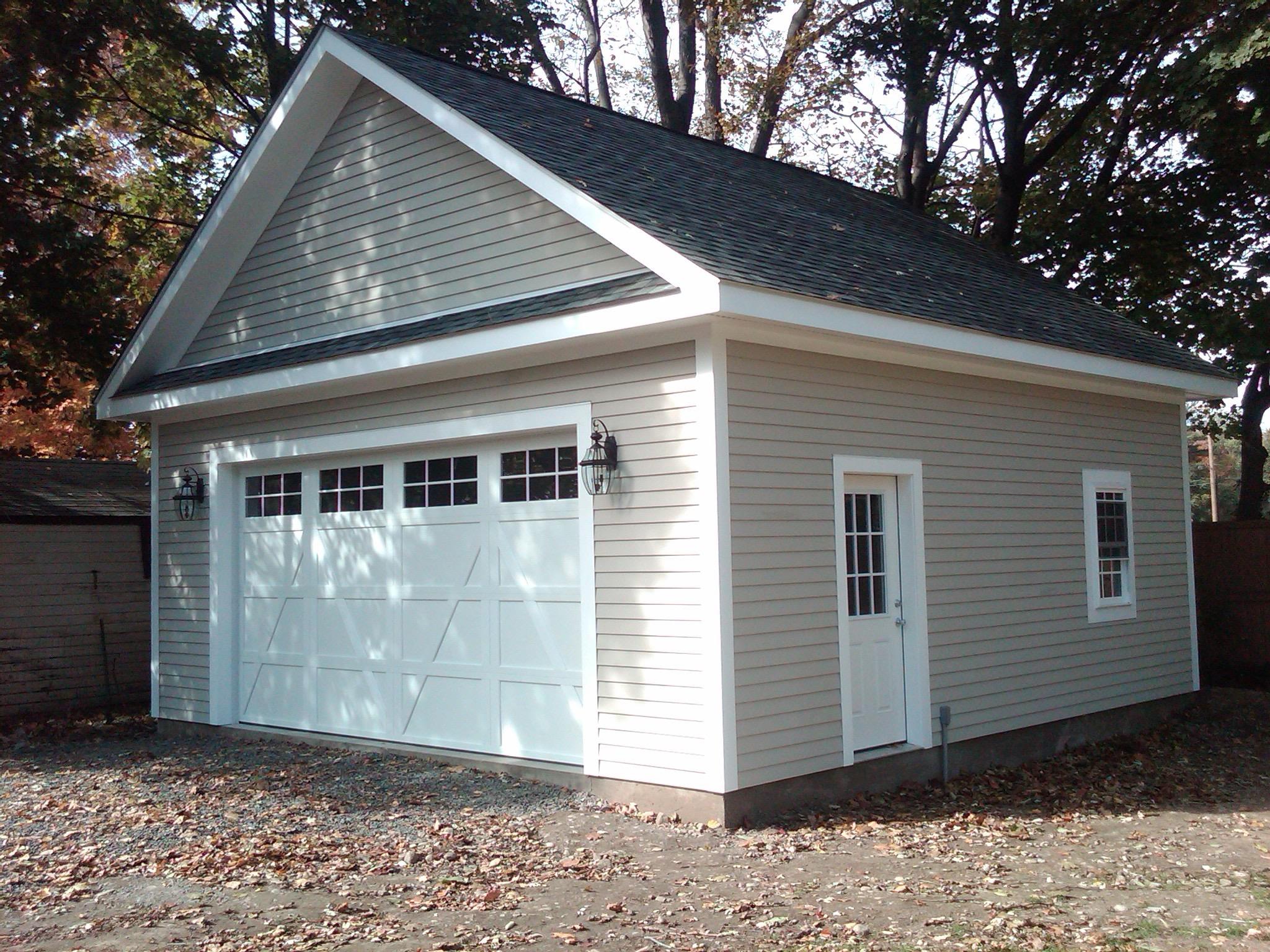 new build garage copmleted.jpg