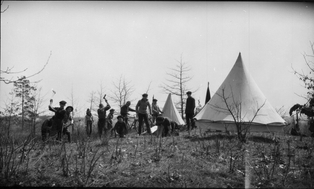 Boy Scout camp, Lambton, Ontario (Library and Archives Canada)