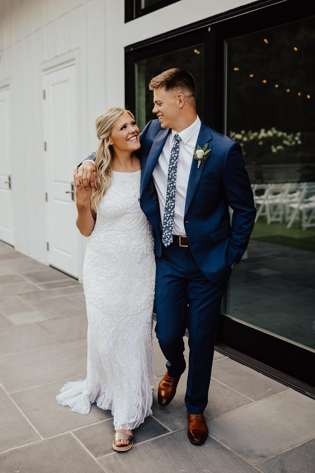 Anna & Trey Modern Minneapolis Wedding at The Hutton House_0705.jpg