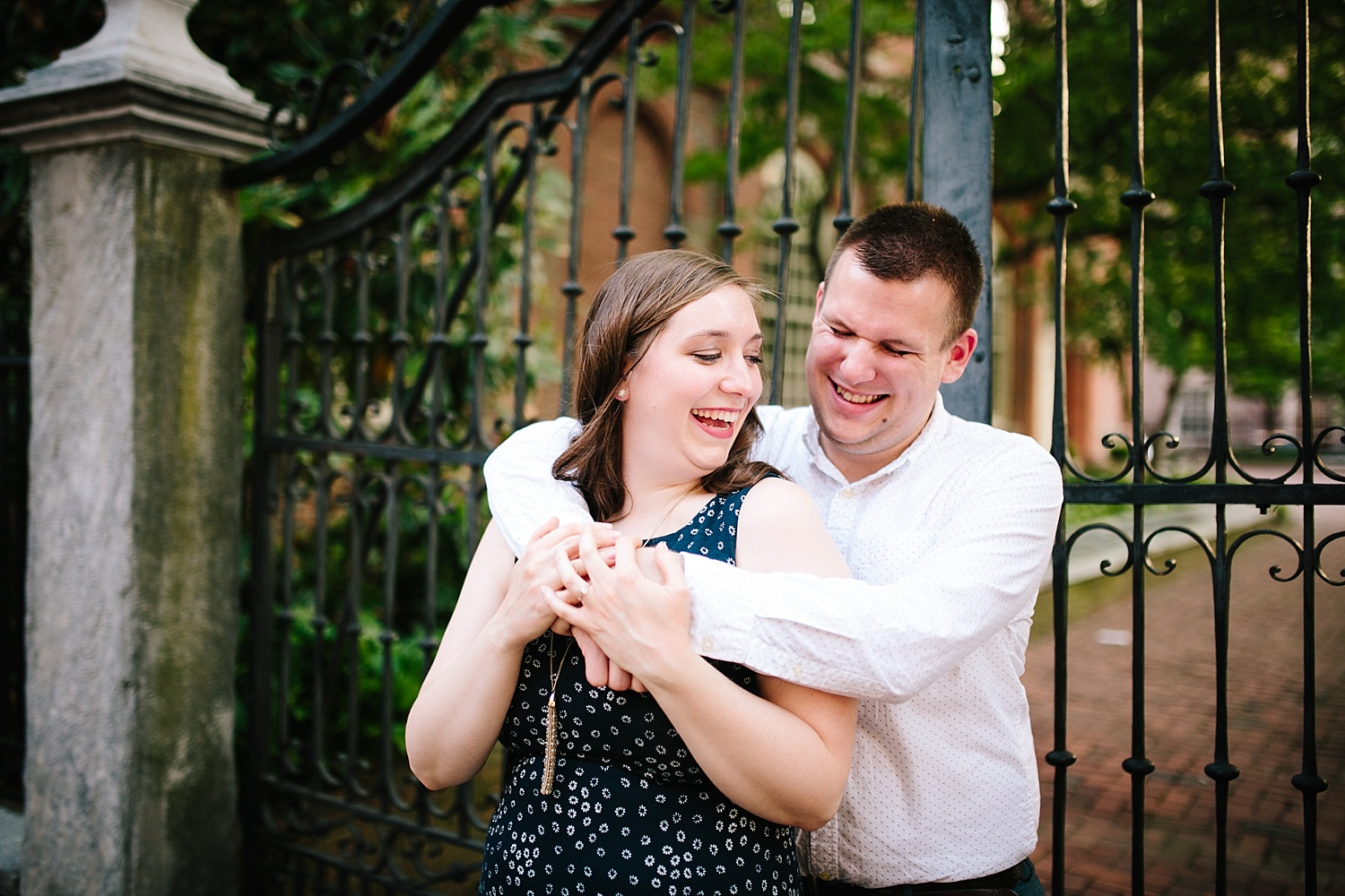 lizandbrandon_oldcity_philadelphia_elfrethsalley_engagement_session_image016.jpg