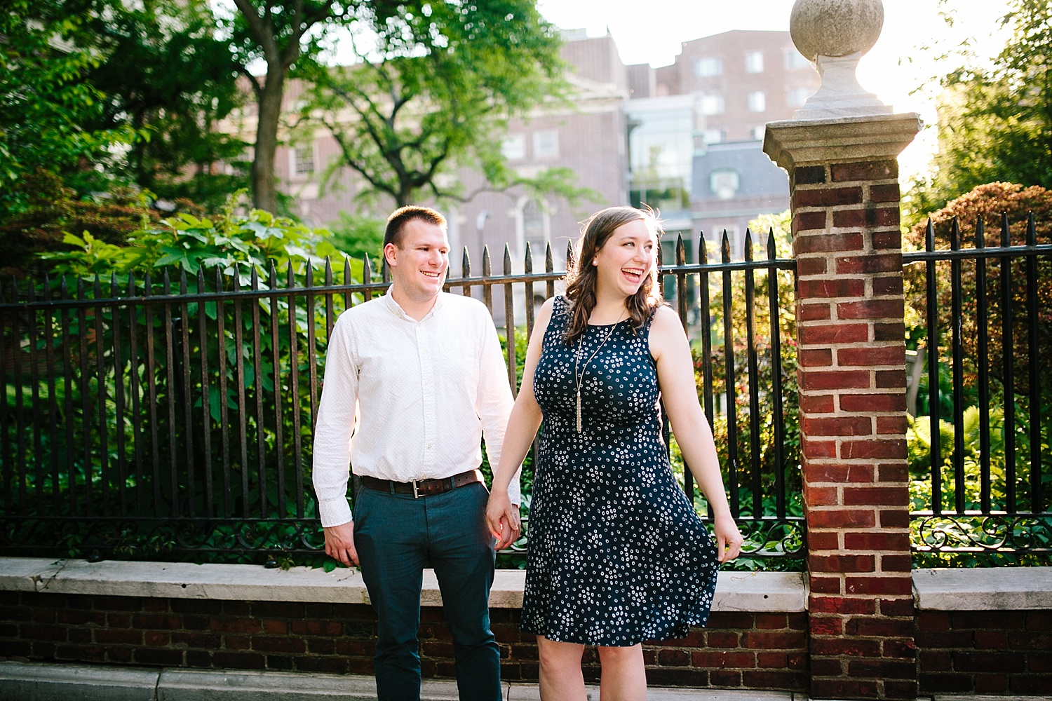 lizandbrandon_oldcity_philadelphia_elfrethsalley_engagement_session_image015.jpg