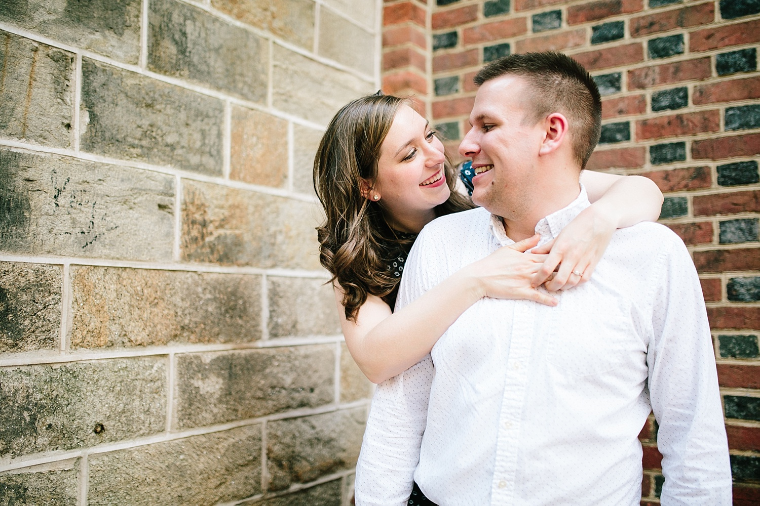 lizandbrandon_oldcity_philadelphia_elfrethsalley_engagement_session_image020.jpg
