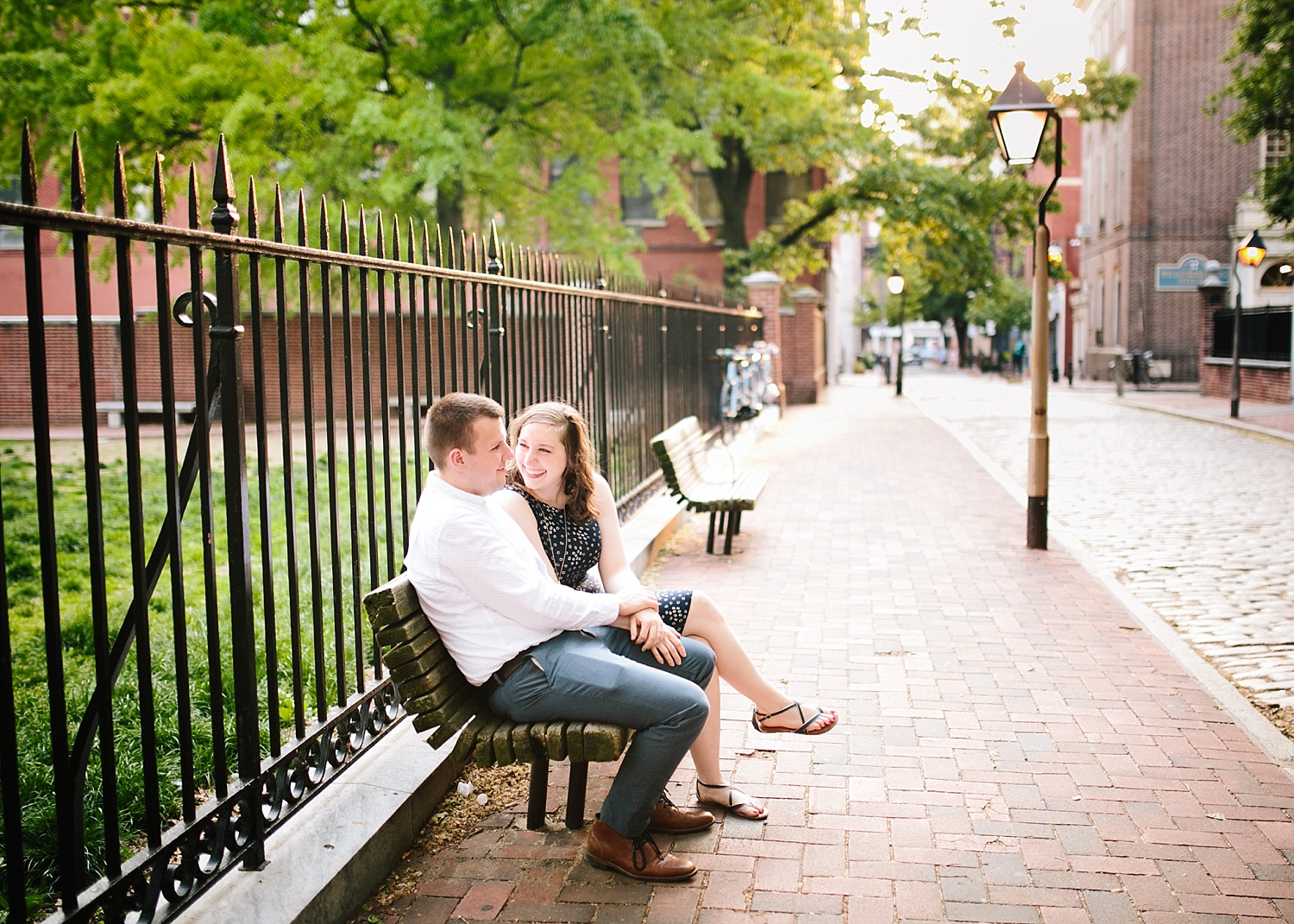 lizandbrandon_oldcity_philadelphia_elfrethsalley_engagement_session_image023.jpg