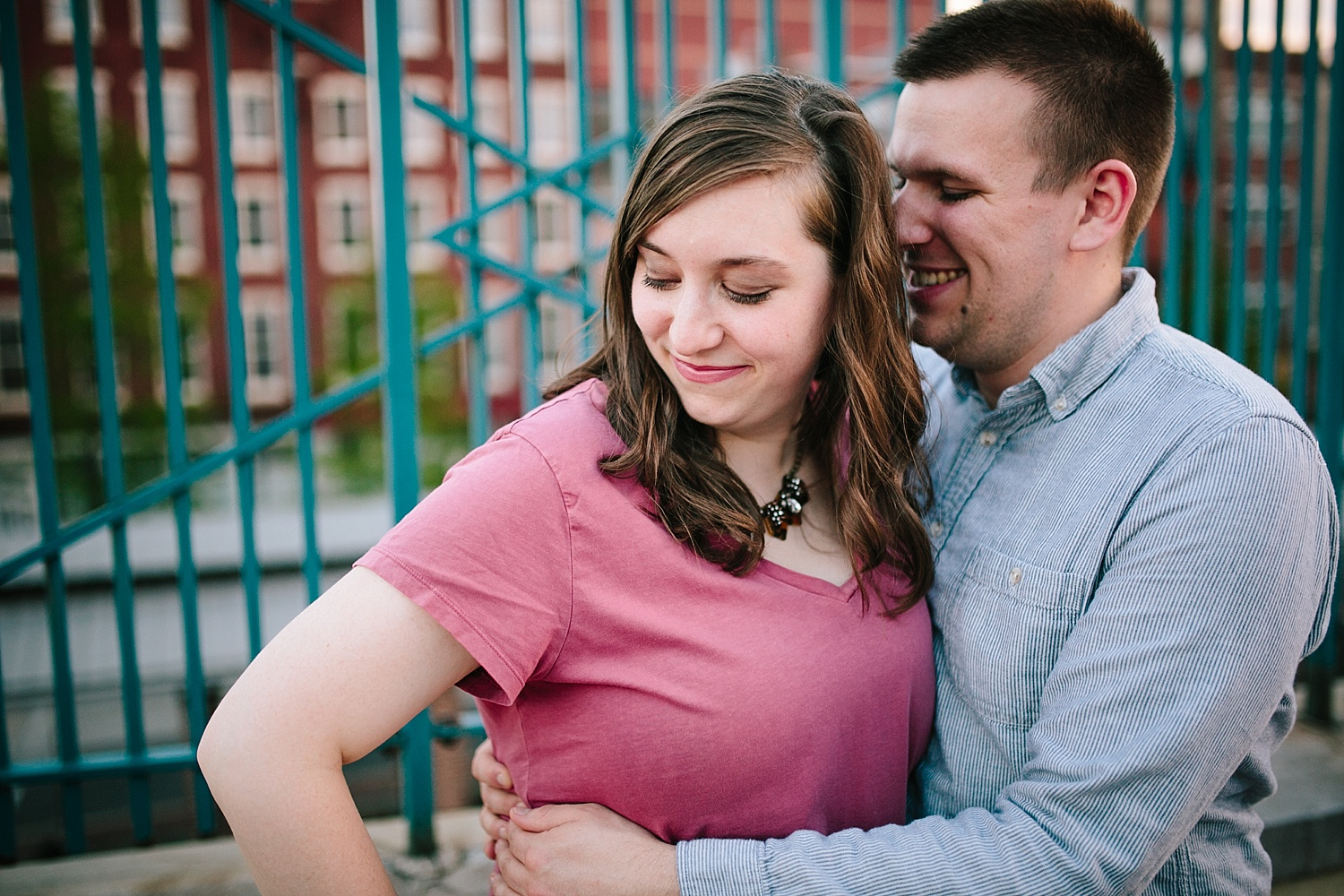 lizandbrandon_oldcity_philadelphia_elfrethsalley_engagement_session_image034.jpg