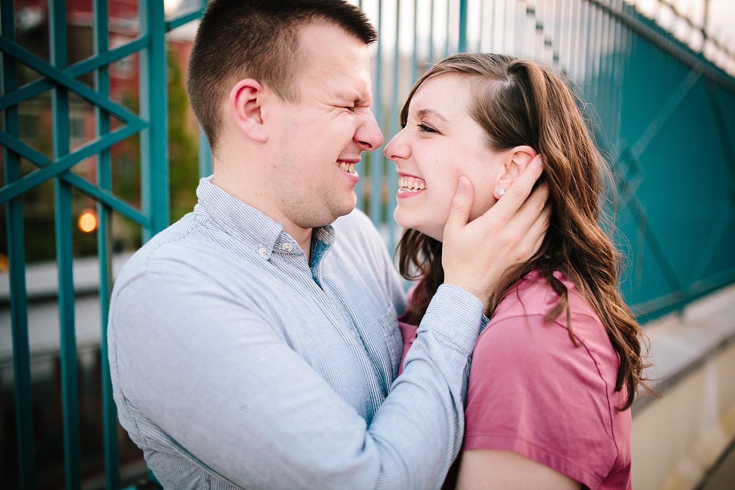 lizandbrandon_oldcity_philadelphia_elfrethsalley_engagement_session_image036.jpg